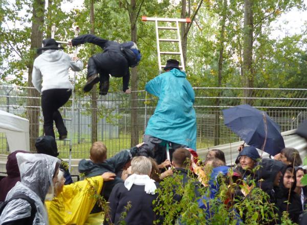 Aktionskonzert Lebenslaute Abschiebeknast Eisenhüttenstadt 2014